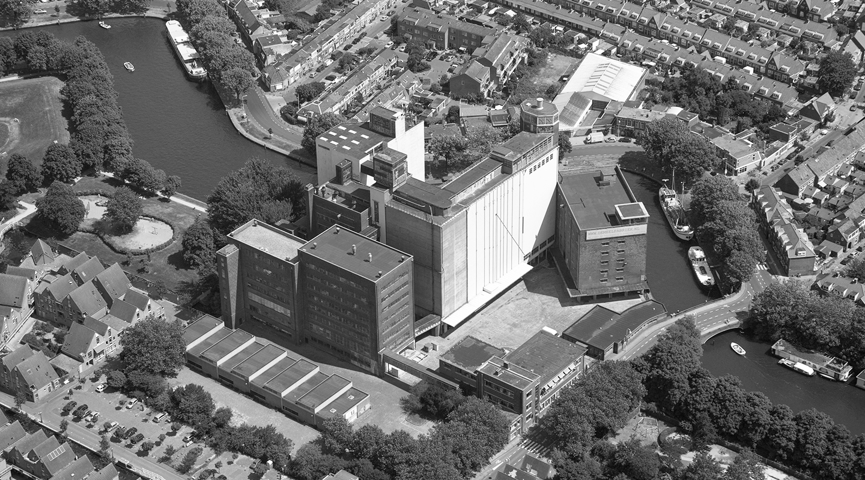 Historie De Meelfabriek Luchtfoto zw